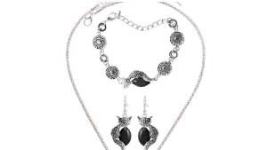 Chain necklace and earring set